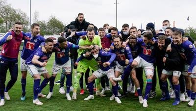 04.05.2021; Aarau; FUSSBALL SCHWEIZER CUP - FC Aarau - FC Luzern;Die Luzerner jubeln nach dem Spiel(Martin Meienberger/freshfocus) (Martin Meienberger)