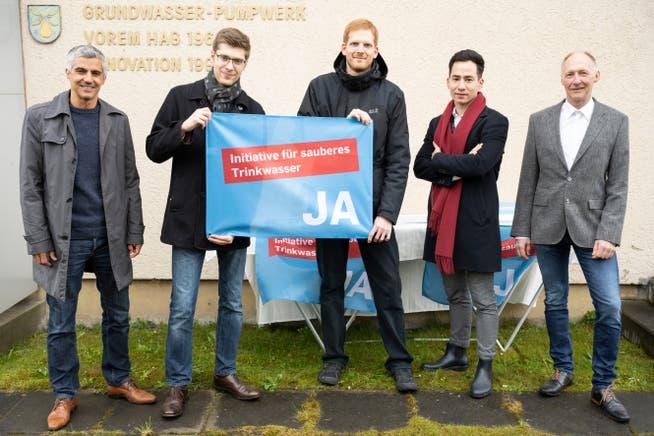 GLP-Grossrat Gian von Planta (ganz links) engagiert sich im liberalen Komitee Aargau für die Trinkwasser-Initiative.