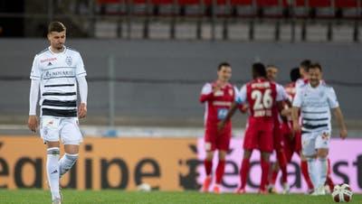 Hängender Kopf bei Darian Males: Der FC Basel hat im letzten Saisonspiel gegen den FC Sion keine Chance. (freshfocus)