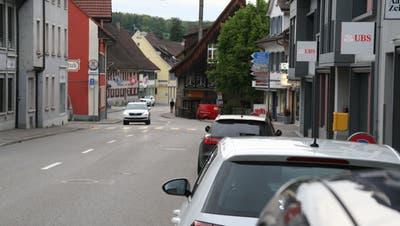 Die Hauptstrasse in Frick soll saniert werden. Die Ausführung ist für 2023/24 geplant. (Bild: Peter Schütz / Aargauer Zeitung)
