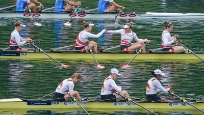 Pure Emotionen bei Patrizia Merz (links) und Frédérique Rol am vergangenen Wochenende. Am Weltcup werden sie nicht mehr am Start stehen. (Detlev Seyb/Swiss Rowing)