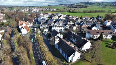 Das Münchwiler Gemeindehaus hat 39 Jahre auf dem Buckel und soll folglich umfassend saniert werden. ((Bild: Olaf Kühne))