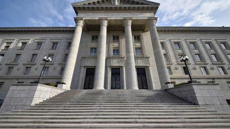 In den Augen der Kommissionsmehrheit ist die Unabhängigkeit des Bundesgerichts im jetzigen System gewahrt. (Symbolbild) (Keystone)
