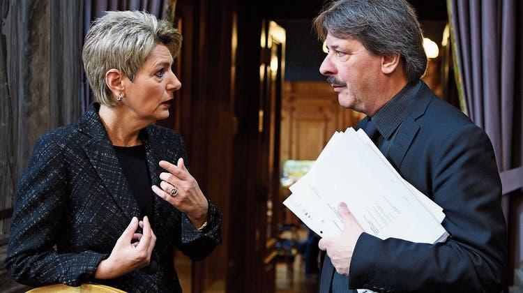 Harmonisches Duo: Karin Keller-Sutter und Paul Rechsteiner. (Bild: key (7. März 2018))
