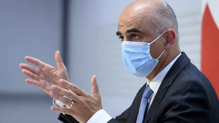 Verschiedene Wissenschafter kritisierten Alain Bersets Aussage, dass der Bundesrat zu Beginn der Pandemie zu einseitig auf die Wissenschaft gehört habe. (Symbolbild) (Keystone)