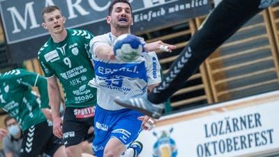 Die Krienser Handballer bezwingen Wacker Thun mit 32:29. (Bild: Pius Amrein)