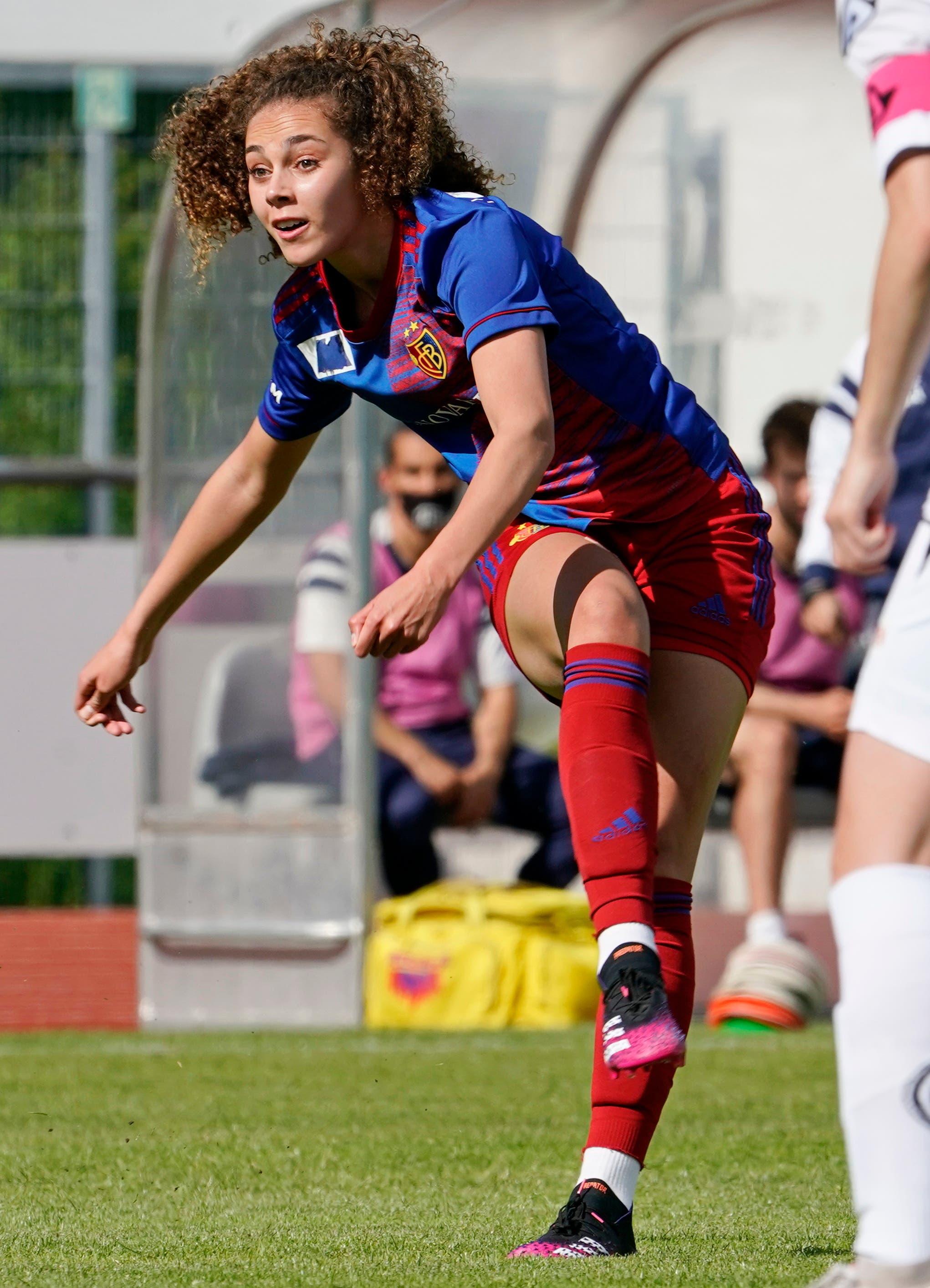 Nach 21 Minuten ist es soweit: Alayah Pilgrim erzielt das 1:0 für den FC Basel.
