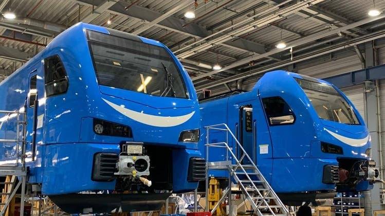 Produktion der Flirt-3-Triebzüge für Go-Ahead Bayern im Berliner Stadler-Werk. (Bild: PD)