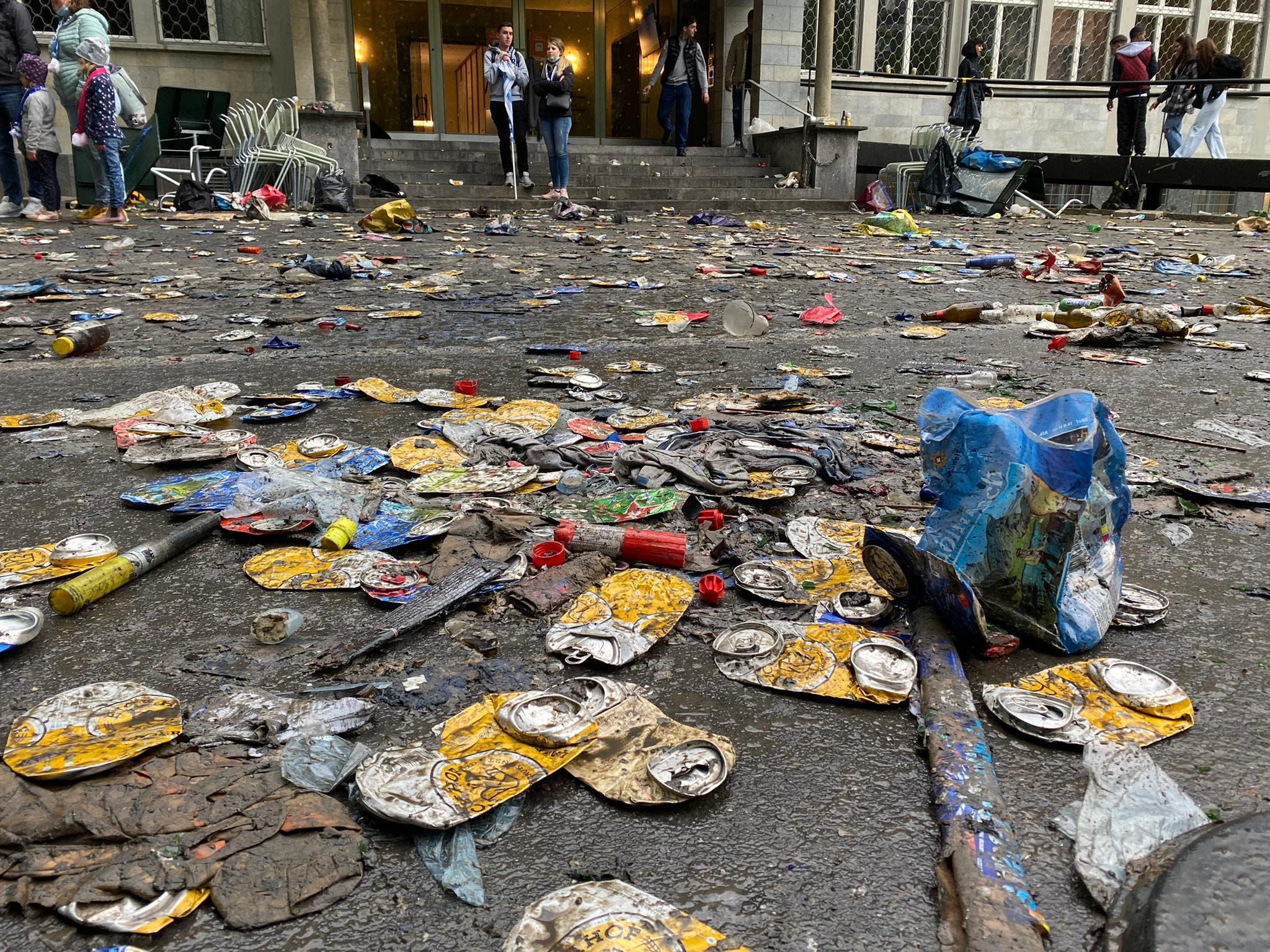 Müll im Vögeligärtli.