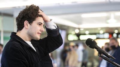 Gjon Muharremaj, alias Gjon's Tears bei seiner Ankunft am Flughafen Zürich:«Kosovo und Albanien sind zwei verschiedene Dinge». (Alexandra Wey/ KEYSTONE)
