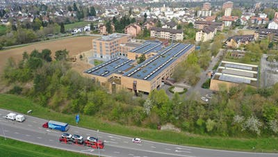 Die Mittelschule ist links der bestehenden Schulanlage Engerfeld angedacht. (Gerry Thönen /Aargauer Zeitung)