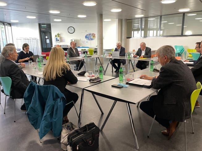 Masken auf dem Tisch: Landammann-Stammtisch mit Stephan Attiger und Vertretern von Gastronomie, Hotellerie und Tourismus im Aargau.