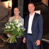 Mit Applaus nominiert werden im Salzhaus Yvonne Buchwalder-Keller und Reto Wettstein. (Bild: Michael Hunziker)