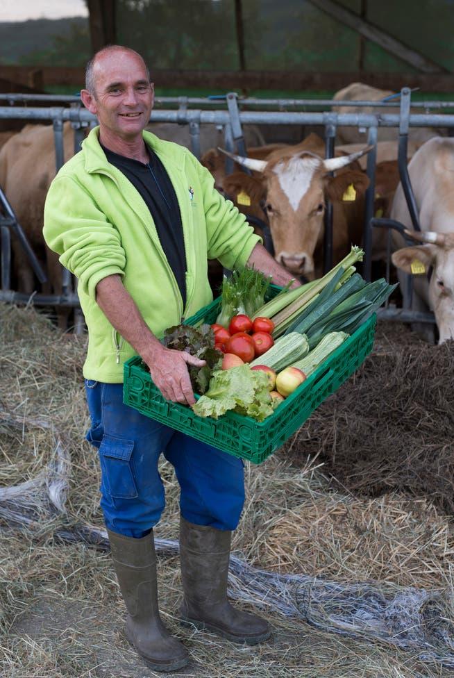 Landwirt Hanspeter Meier baut Gemüse an und hat zwölf Kühe.