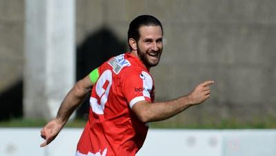 Loic Chatton und der FC Solothurn können sich freuen. Mitte Juni wird die Meisterschaft in der 1. Liga fortgesetzt. (Hans Peter Schläfli)