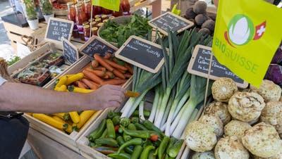 Im Aargau wird viel Landwirtschaft betrieben. Verhältnismässig wenige Betriebe produzieren allerdings nach den Biostandards. (Keystone)