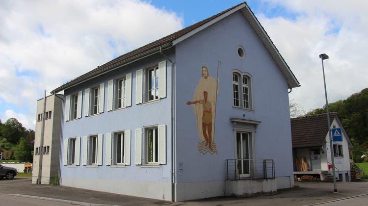 In das Schulhaus Belchen in Fisibachhätte die Verwaltung einziehen sollen. (Louis Probst)
