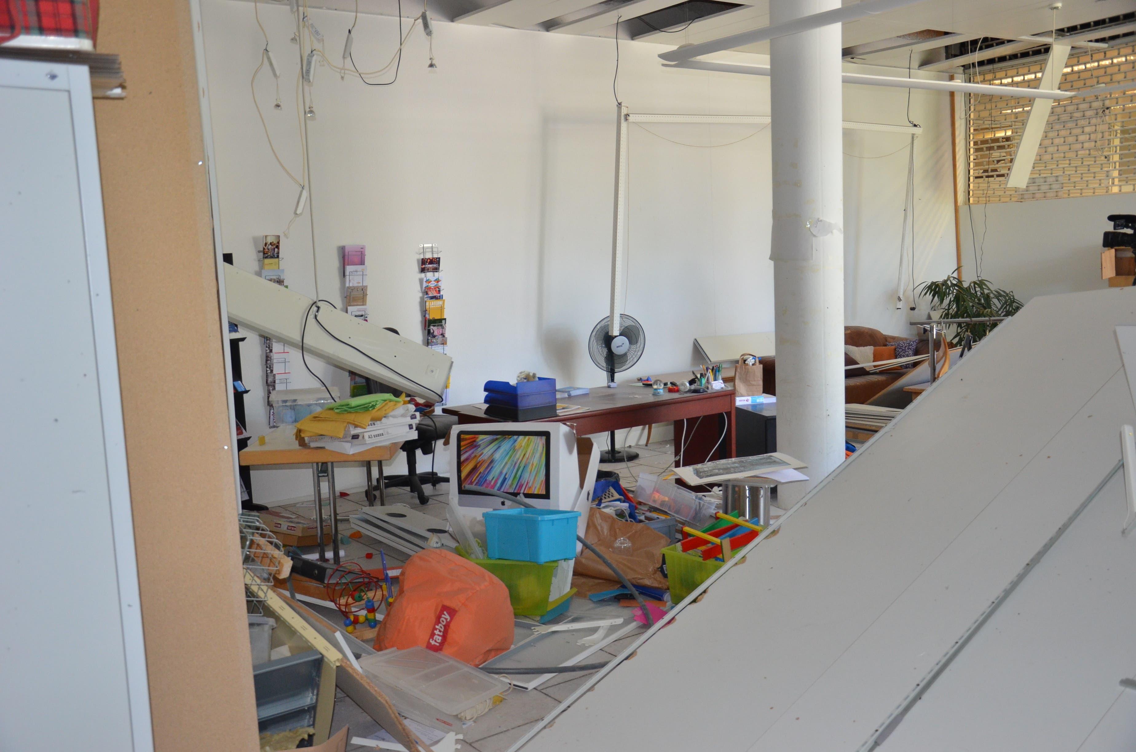 Im Raum des Quartierbüros der Quartierarbeit West des Alten Spitals herrscht ein grosses Durcheinander am Tag danach.