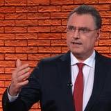 Seit bald zehn Jahren leitet er die Geschicke der Nationalbank: Thomas Jordan beim Interview im TeleZüri-Studio. (CHM)