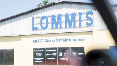 Blick auf einen Hangar der Motorfluggruppe Thurgau. Der Verein ist Eigentümer des LommiserFluglatzes. (Bild: Mareycke Frehner (25. Juli 2018))
