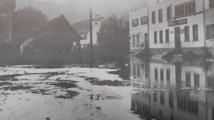 Vor 90 Jahren suchte ein heftiges Gewitter den Bezirk heim. Die Schäden waren verheerend. (zvg/«Endingen, Bilder aus vergangenen Zeiten»)