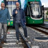 Landrat Marco Agostini (l.) möchte kein Geld für ein Tram ausgeben, bevor Salina Raurica gebaut ist. Philipp Schoch sieht es umgekehrt. (Kenneth Nars / BLZ)