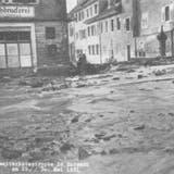 Im Flecken Zurzach in der Schwertgasse: Die Maschinen der Buchdruckerei und deren Papier wurden komplett zerstört. (Foto: zvg/Endingen, Bilder aus vergangenen Zeiten)