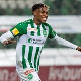 Junior Adamu jubelt nach seinem Tor zum 1:0 gegen Lausanne - es ist ein Treffer, der die Türe zum Ligaerhalt öffnet. (Bild: Pascal Müller/Freshfocus)