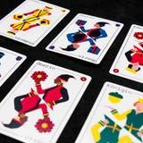 «Dä Ander Jass»: Die neuen Spielkarten des Zürcher Designers Alain Wohlgemuth verfügen über mehr Diversität bei den Sujets. (www.alain-wohlgemuth.com)