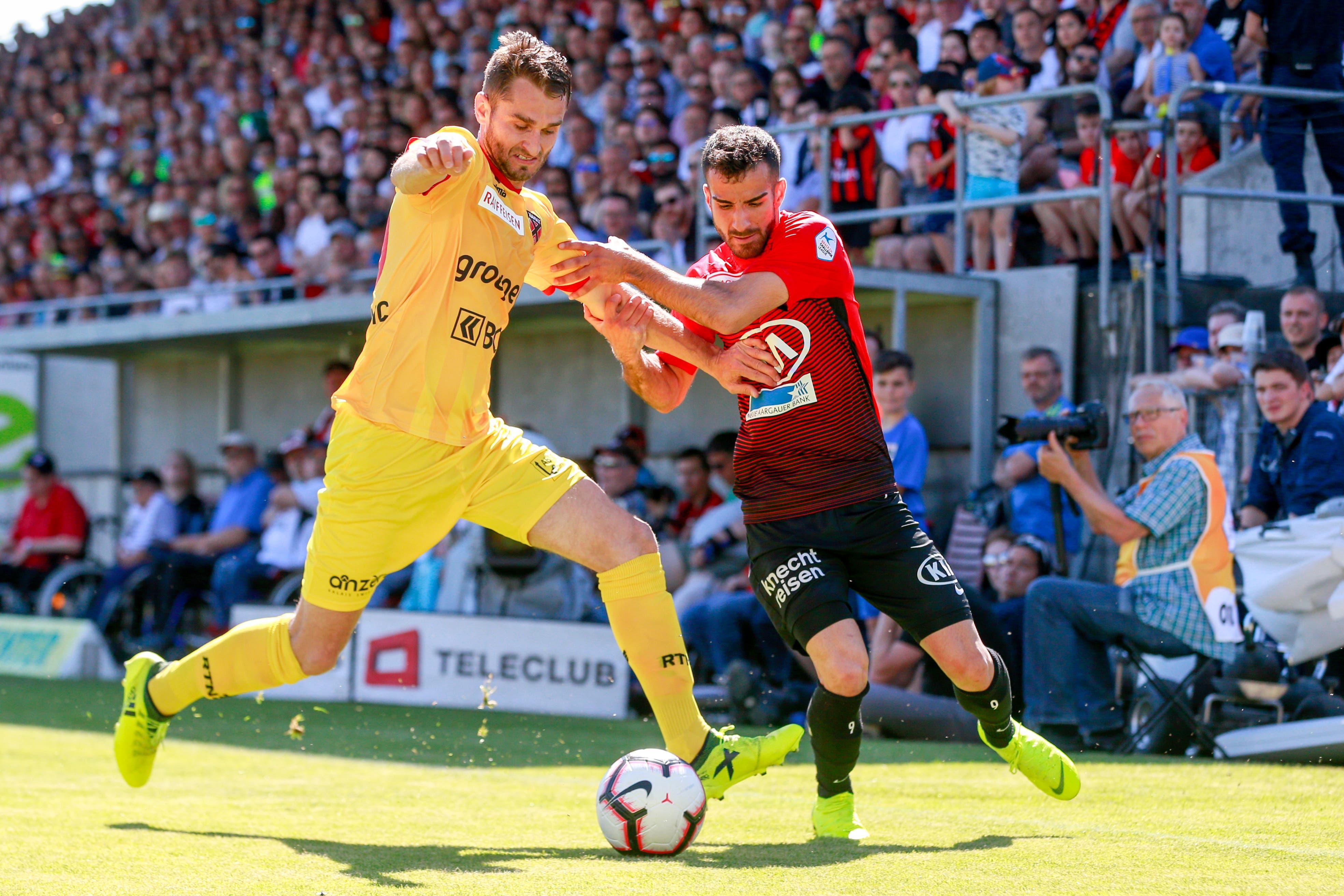 Seinen letzten Einsatz für den FC Aarau hatte Varol Tasar (r.) in der Barrage gegen Xamax.