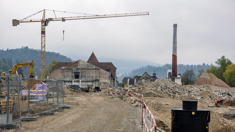 Die grösste Hochbaustelle im Baselbiet: In Zwingen wird in den kommenden Jahren das Areal der ehemaligen Papierfabrik überbaut. (Kenneth Nars (30. April 2021))