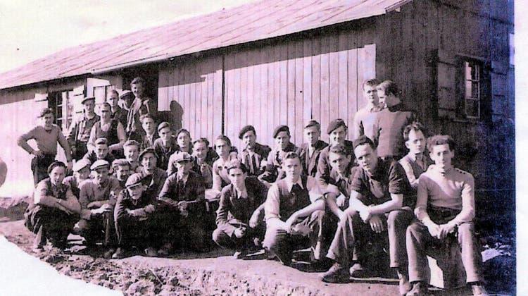 Harter Alltag im Arbeitslager für den Bau einer Strasse in Ardez (GR), wo auch Lucien Feltrauer aus Carspach eingesetzt war. (zvg / Lucien Feltrauer)