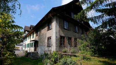 Das Gebäude an der Baarer Leihgasse 15a. Seine Unterdenkmalschutzstellung sorgte für Diskussionen. (Bild: Stefan Kaiser (16. Mai 2019))