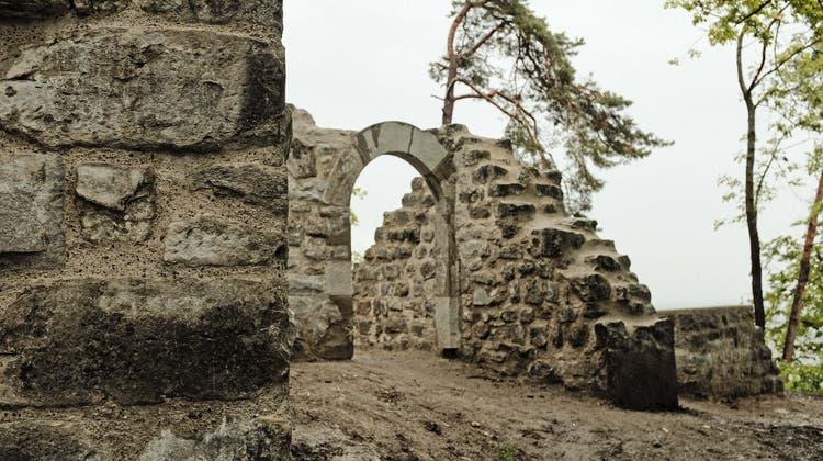 Nun ist die Ruine fertig saniert, wie die Stadt am Montag mitteilte. Die Kosten dafür betrugen rund 527'000 Franken. (zvg)