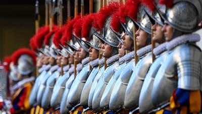 Sie soll eine neue Kaserne erhalten: die Schweizer Garde in Rom. (Bild: Riccardo Antimiani/EPA ANSA)