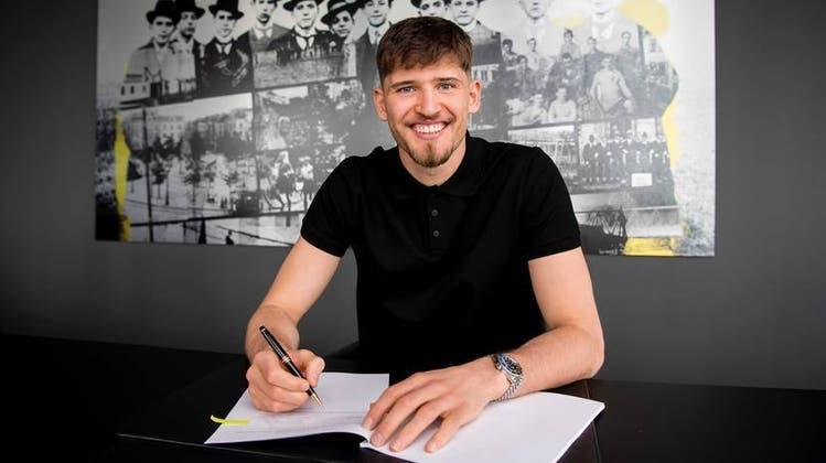 Gregor Kobel unterschreibt beim BVB einen langfristigen Vertrag bis zum 30. Juni 2026. (Borussia Dortmund)