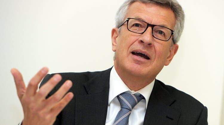 Stephan Netzle, der ehemalige Ruder-Weltmeister und Richter am Sportgerichtshof in Lausanne, erklärt das neue Ethikreglement im Schweizer Sport. (Keystone)