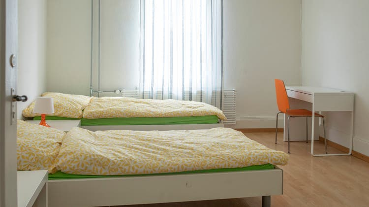 Die Zimmer in den Wohnungen wurden neu möbliert. (Britta Gut)
