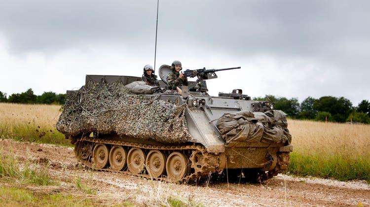 Ein Schützenpanzer M113: In einem solchen Gefährt erlitten die Armeeangehörigen die Vergiftungen. (Bild: Schweizer Armee)