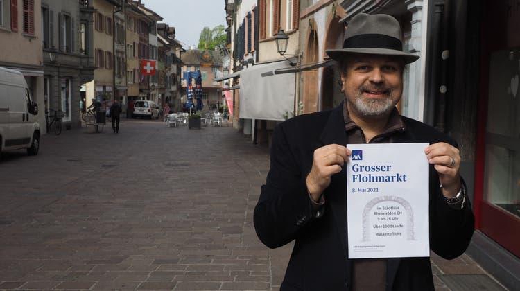 Claudio Meier freut sich auf den Flohmarkt, an dem es allerdings wegen Corona nur 100 statt 150 Stände geben wird. (Thomas Wehrli / Aargauer Zeitung)