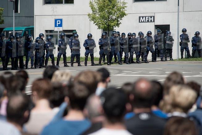 Bild von einem «Tag der offenen Tür» an der interkantonalen Polizeischule in Hitzkirch.