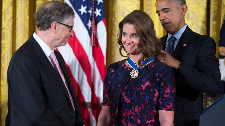 Die grössten und mächtigstePhilantrophin der Welt: 2016 verlieh der damalige US-Präsident Barack Obama den Gates die Medal of Freedom im Weissen Haus. (EPA/Keystone)