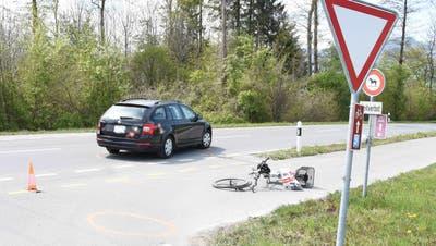 Am Montag ist es in Balgach zu einer Kollision zwischen einem Auto und einem E-Bike gekommen. (Bild: Kantonspolizei St.Gallen)