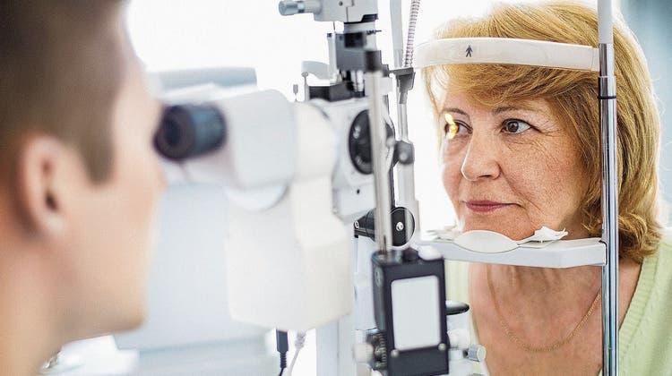 Augenleiden sollte man rasch abklären, denn oft ist der richtige Operationszeitpunkt entscheidend. (Bild: Getty)