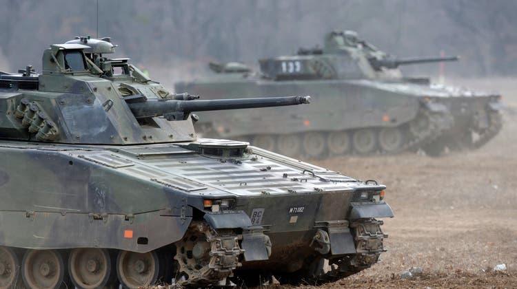 Die Armeeangehörigen haben vermutlich den Motor über Nacht laufen lassen, wobei das Gas wohl in den Panzer gedrungen ist. (Symbolbild) (Keystone)