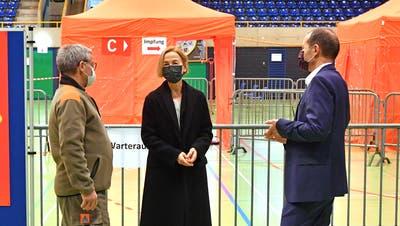 Von der Coronakrise gefordert: Regierungsrätin Susanne Schaffner bei der Eröffnung des Coronaimpfzentrums Olten. (Bruno Kissling)
