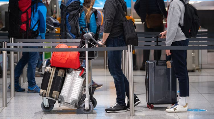 Für sieben Länder gilt ab heute Montag neu eine Quarantänepflicht nach der Einreise. (Symbolbild) (Keystone)