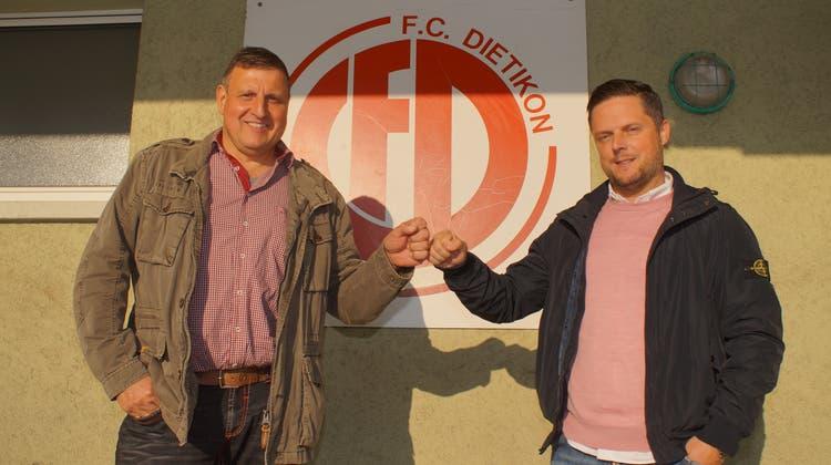 Guten Mutes: Daniel Tarone (rechts), der neue Trainer des FC Dietikon, hier mit Vereinspräsident Renato Casanova. (Ruedi Burkart)