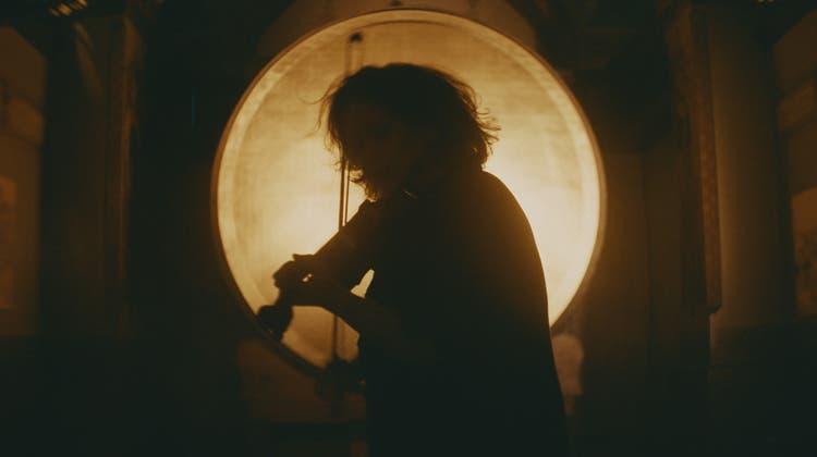 Auch visuell geht Lucerne Festival neue Wege: Die Geigerin Patricia Kopatchinskaja in einem Festival-Clip. (LF)