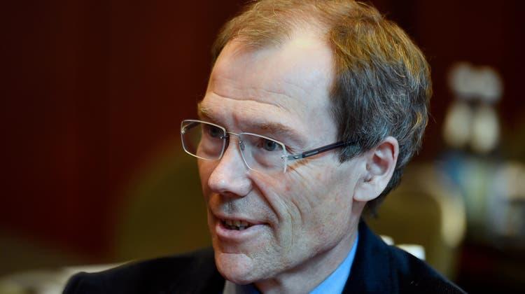 Nach den Befragungen zum CEO der Raiffeisen Schweiz erhielt Johannes Rüegg-Stürm ein Kommunikationsverbot. (Bild: Walter Bieri / KEYSTONE)